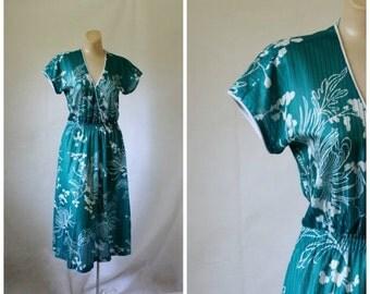 Sale 1970's Dress / Ca. Cut Outs Dress / Teal Floral Dress / Japanese Garden Dress / Vintage Dress S/M