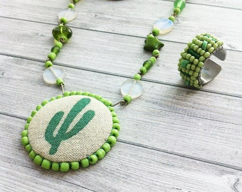 Jewelry Set - glass beads necklace - green beads ring - cactus necklace