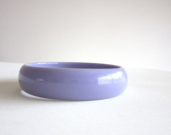 Lilac Lucite Resin Bangle Retro