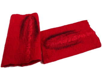 Filzstulpen, Armstulpen, rot mit Seide, 99% Wolle, 1 Proz. Seide, ca. 17 cm x 9,5 cm Wunschgröße gefilzt