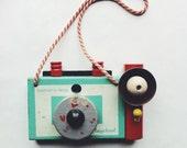 let's explore, Vintage wooden camera, playskool, aventure,