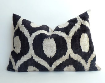 black ikat pillow case // black velvet pillow // black ikat velvet cushion // silk ikat cushion