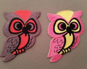 owl embroidered patch.   2 colors to choose