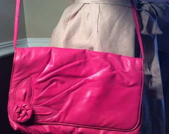 Vintage Hot Pink handbag with flower detail