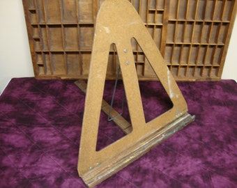 Vintage  Table Top Easel Portable