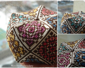 PDF cross stitch ornament pattern: Biscornu Kaleidoscope + tutorial biscornu 15 faces, banurucotti