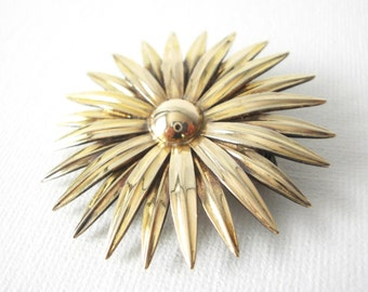 14K Gold On Sterling Silver Sunburst Daisy Brooch Pendant By Symmetalic