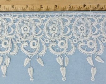 Venise Ivory lace, 5 1/2 inches wide