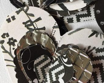 Black & white heart tags