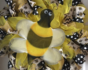 Bumble Bee Deco Mesh Wreath