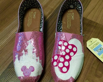 Pink Shimmer Glitter Minnie Mouse TOMS (size 7.5)