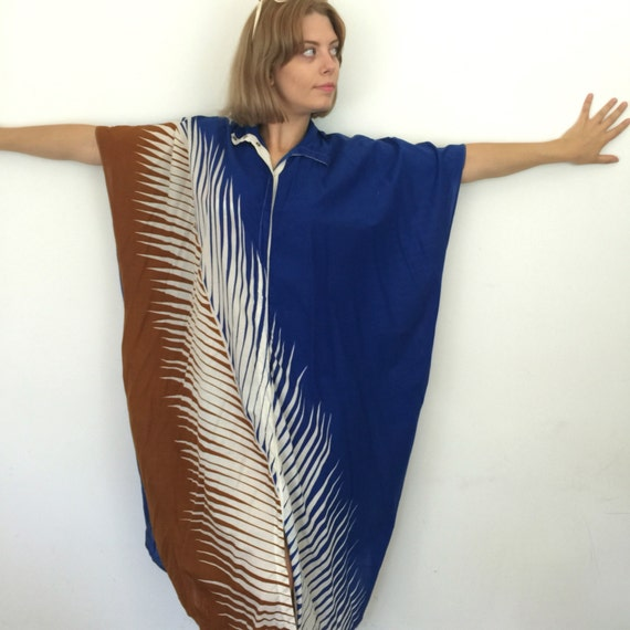 Vintage kaftan cotton dress avant garde palm print blue tan white caftan oversized shirt UK 8 to 12 high neck beach dress 1980s cruise