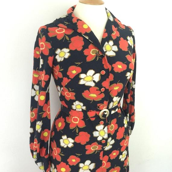 Maxi dress flower power print long vintage dress daisy print brushed nylon UK 10 belt flowery house dress black red hippy boho folk festival