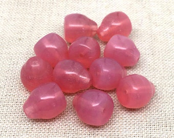 12 Vintage Czech Opalescent Pink Glass Beads 10mm