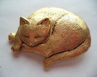 Vintage Signed JJ  Gold pewter Sleeping Cat Brooch/Pin