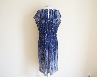 Vintage 1960s Dress / Vintage Navy Blue Dress with removable collar