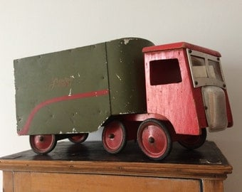 Original Vintage 1948 Red & Green Painted Toy Truck