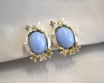 1960's vintage ice blue thermoset and rhinestone clip on earrings set in silver - simple elegant Jackie O' style