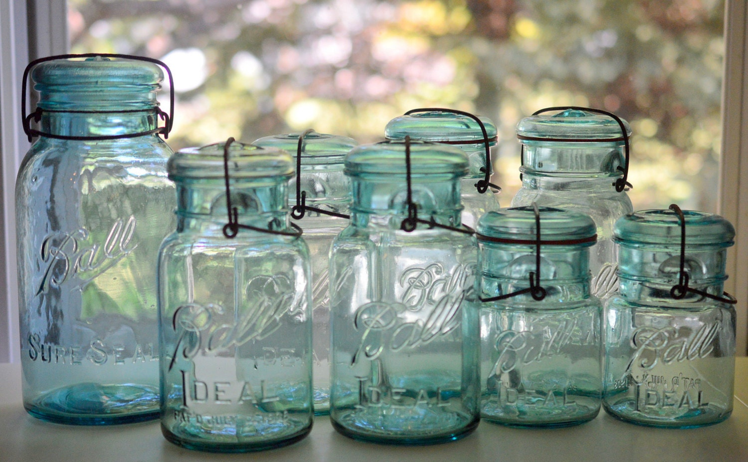 mason jar blue ball assorted sizes with wire bale set of 8. Black Bedroom Furniture Sets. Home Design Ideas