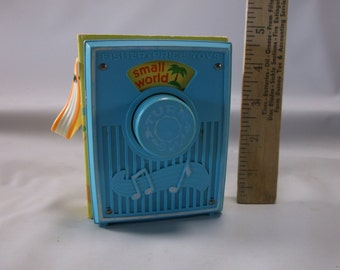"""Fisher Price Radio Vintage 1977 Blue """"It's A Small World""""  Wind Up Toy . epsteam"""