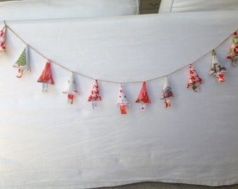 Delightful fabric Christmas tree banner