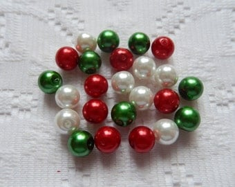 24  Christmas Mix Red Emerald Green & White Round Glass Pearl Beads  8mm