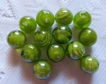 8  Lime Green Inner Swirled Round Lampwork Glass Beads  14mm