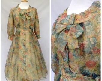 1950s Dress Floral Print , Full Skirt, Petite Size , Uk size 8-10, UK size 6-8.