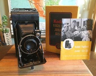 Vintage 1940s Kodak Vigilant Junior Six-20 Camera with Original Box and Case