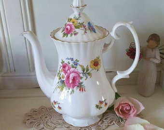Richmond Coffee Pot with beautiful pink roses and flowers (royal albert)
