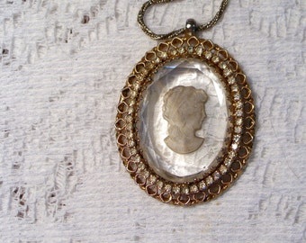 CAMEO AND RHINESTONE pendant necklace - vintage - glass center -antique gold edge and chain