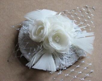 Wedding fascinator Ivory fascinator Silver fasciantor Ivory silver headpiece Lace fasciantor Wedding lace hair piece Ivory silver lace hat