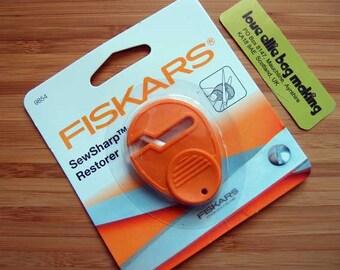 SewSharp Restorer Scissor Sharpener by Fiskars
