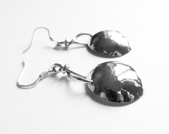 Eearrings hammered silver