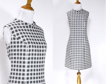 ON SALE Vintage 1960s Dress | 60s Mod Checked Shift Dress | Gray and White | M L