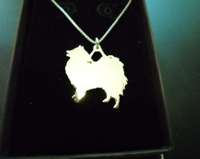 any dog breed necklace large 25mmx20mm w/sterling silver chain (pomeranian)