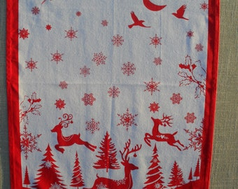 Red & White Christmas / Holiday Tea Towel. Embroidered with Nadolig Llawen. LDC0004