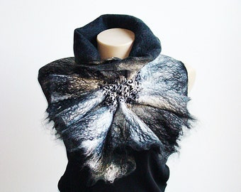 Felted Scarf Felt Collar. White & black. Wrap wool.  Art Scarf. Chunky winter accessory. Alpaca baby and silk Mulberry