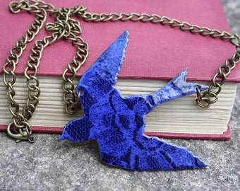 Lace swallow necklace