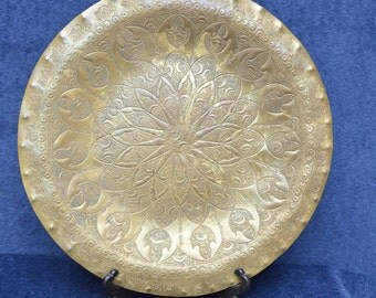 SUPERB signed large old solid brass MOROCCAN heavy PLATE intricatle traditional design