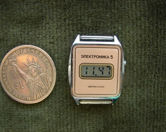 RARE Vintage Ussr soviet NOS Lcd wrist watch ELEKTRONIKA  5 / unused Ladies watch Electronica Ussr era 1990s / collectible watch /
