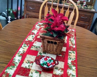 Pointsettia Christmas Table Runner