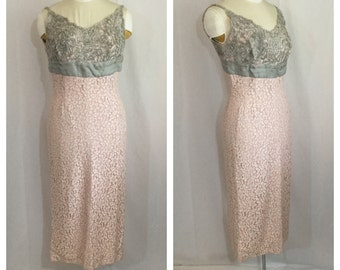 Vintage 1950's Pink Lace Hourglass Dress with Grey Bust
