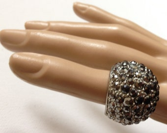 Ring - gorgeous vintage stone chunky funky ring