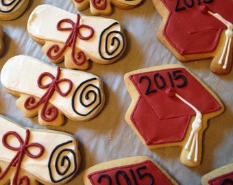 Decorated Graduation Cap and Diploma Cookies
