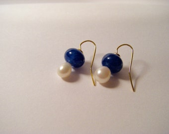 Earrings gold Sapphire with freshwater pearl
