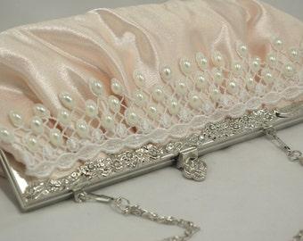 Blush Bridal Clutch, Blush Pearl and Lace Wedding Handbag, Oval Pearl Bridal Handbag, Blush Lace Clutch, Wedding Clutch, Pearl Clutch Bag