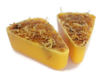 Calendula Soap - Marigold Soap - Natural Soap - Dried Flowers Soap - Natural Beauty Product