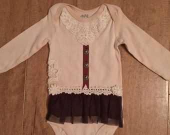 Tea-stained onesie, size 3-6 months, long sleeves