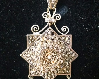 Antique Victorian Gold Toned Necklace with Star Pendant